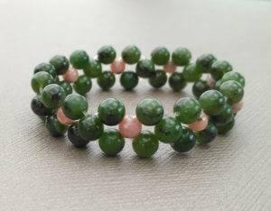 Náramek z nefritu a rodochrozitu / Bracelet from nephrite and rhodochrozite