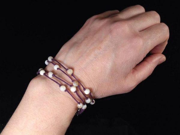 Provázkový náramek s kotvou a perletí * String bracelet with anchor and nacre beads