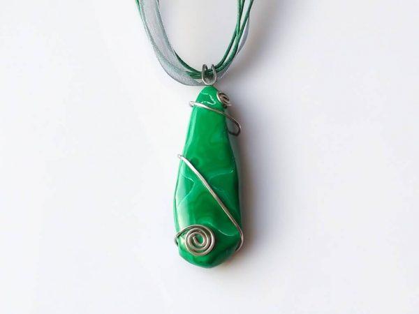 Náhrdelník s přívěskem malachit * Malachite pendant necklace