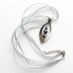 Náhrdelník s přívěskem lapis lazuli * Lapis lazuli pendant necklace