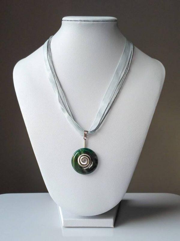 Náhrdelník s achátovým přívěskem * Agate pendant necklace