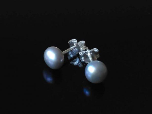 Perlové náušnice šedé, stříbrné * Gray pearl stud earrings, silver