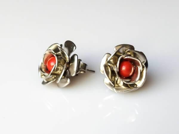 Náušnice jaspis červený puzety s kytičkou * Red Jasper flower stud earrings