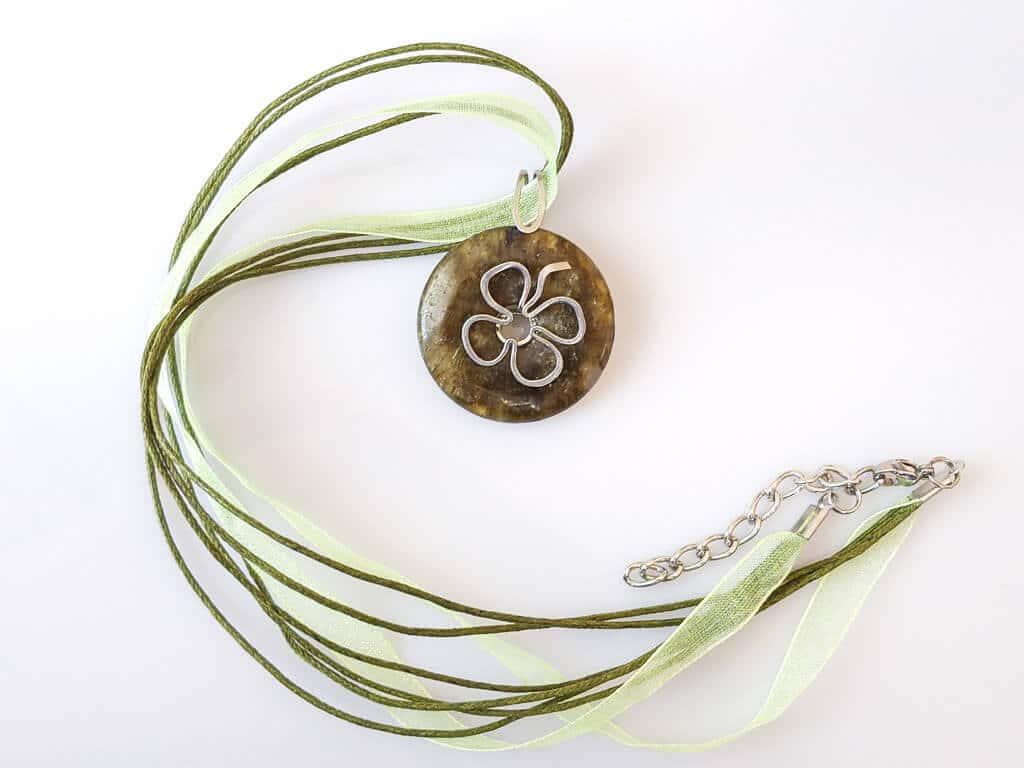 Náhrdelník s přívěskem labradorit * Labradorite pendant necklace