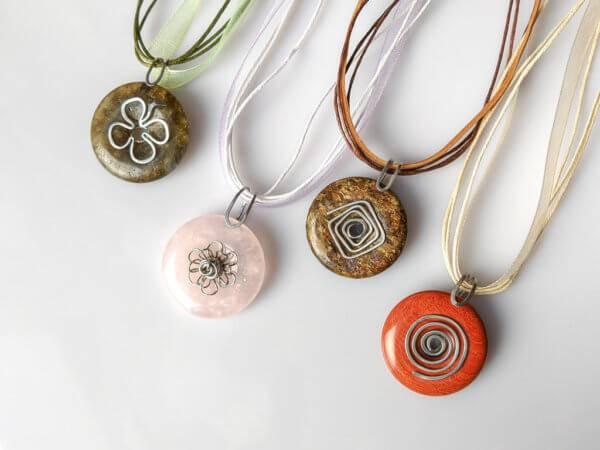 Náhrdelníky z přírodních kamenů * Gemstone necklaces