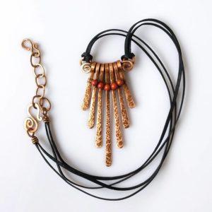 Náhrdelník měděný s korálky červeného jaspisu * Copper necklace with red jasper beads
