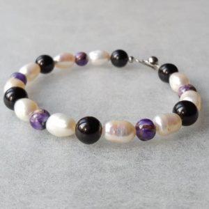 Náramek bíleperly-čaroit-turmalín * Bracelet from White Pearls,Charoite and Tourmaline