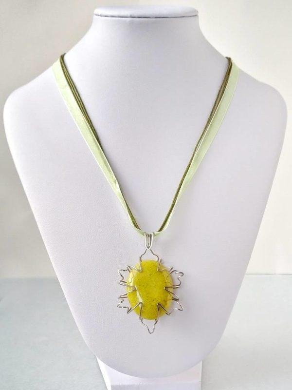 Náhrdelník s přívěskem opál zelený * Green Opal pendant necklace