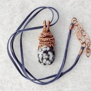 Měděný náhrdelník s obsidiánem vločkovým * Copper necklace with Snowflake Obsidian