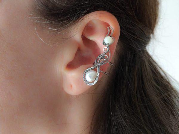 Záušnice říční perla a perleť * Ear cuff with freshwater pearl and nacre bead