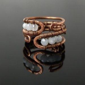 Prsten měděný s měsíčním kamenem * Copper ring with Moonstone beads