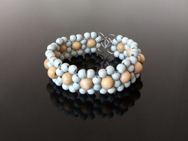 Náramek z dřevěných korálků modrý * Wooden bead bracelet, blue